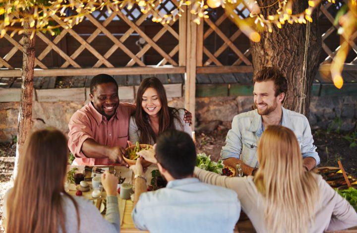 Friendsgiving Hosting Ideas